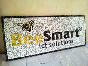 BeeSmart ICT logo in mozaïek