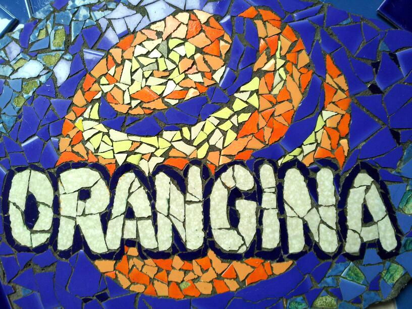 orangina logo in mozaiek - Lieke van Dommelen Nijmegen